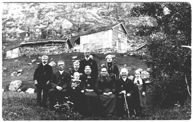Huslyden på Haugen ca. 1912