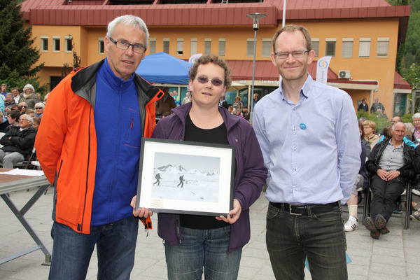 Stein Næss, Inga Reidun Sjøtun og Oddmund Hoel (Foto: Torodd Joranger, Luster kommune)